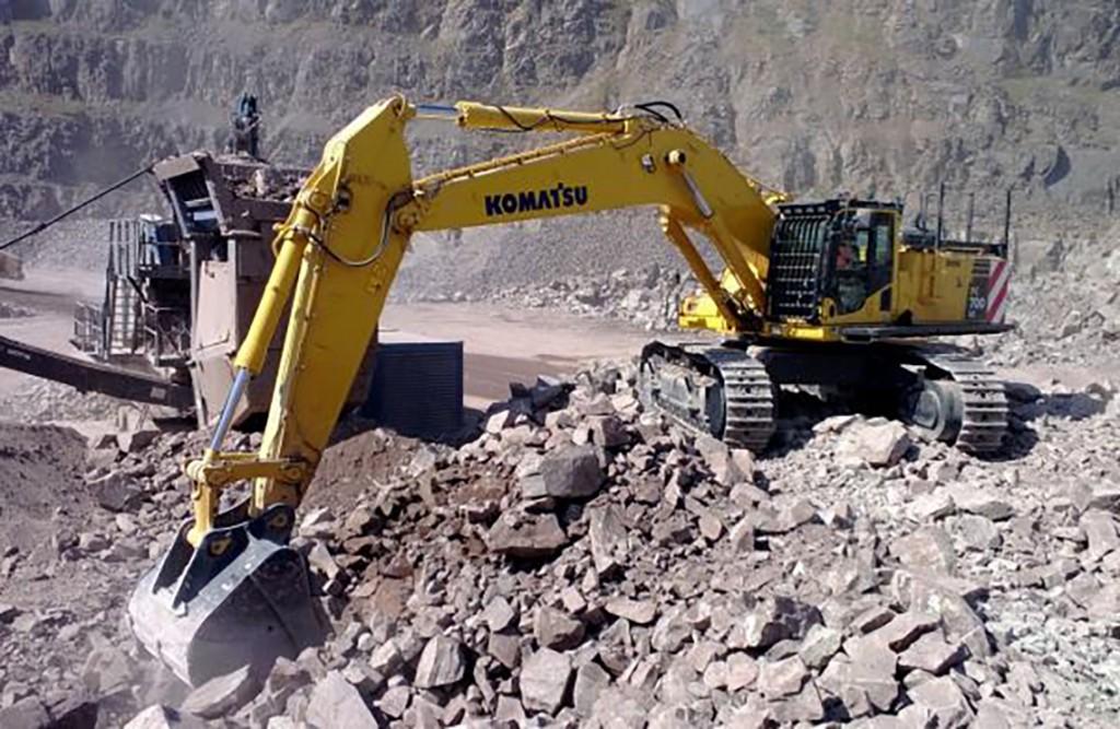 Patersons Komatsu PC700 excavator Patersons Quarries