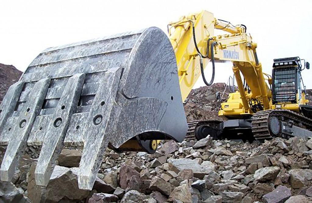 Patersons Komatsu PC700 excavator