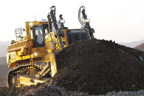 Introducing the Komatsu D475A-8 Bulldozer