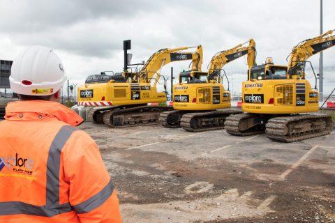 Explore plant hire komatsu machines excavators