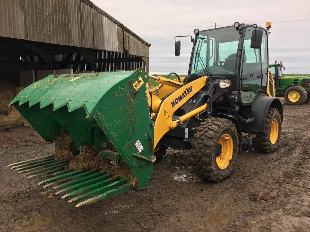 Komatsu Compact Wheel Loaders in Agriculture/Farm Applications