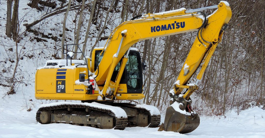 Winter maintenance tips excavator komatsu marubeni