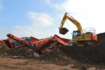 Hybrid Komatsu diggers excavators Marubeni-Komatsu machine heavy equipment Tom Prichards Recycling