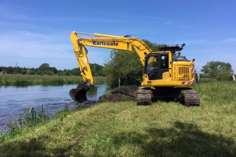 Earlcoate Construction receive the first PC228USLC-11 excavator in the UK