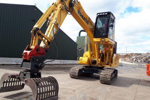 Ridgway Komatsu elevating high lift rise cab hydraulic waste recycling excavator digger